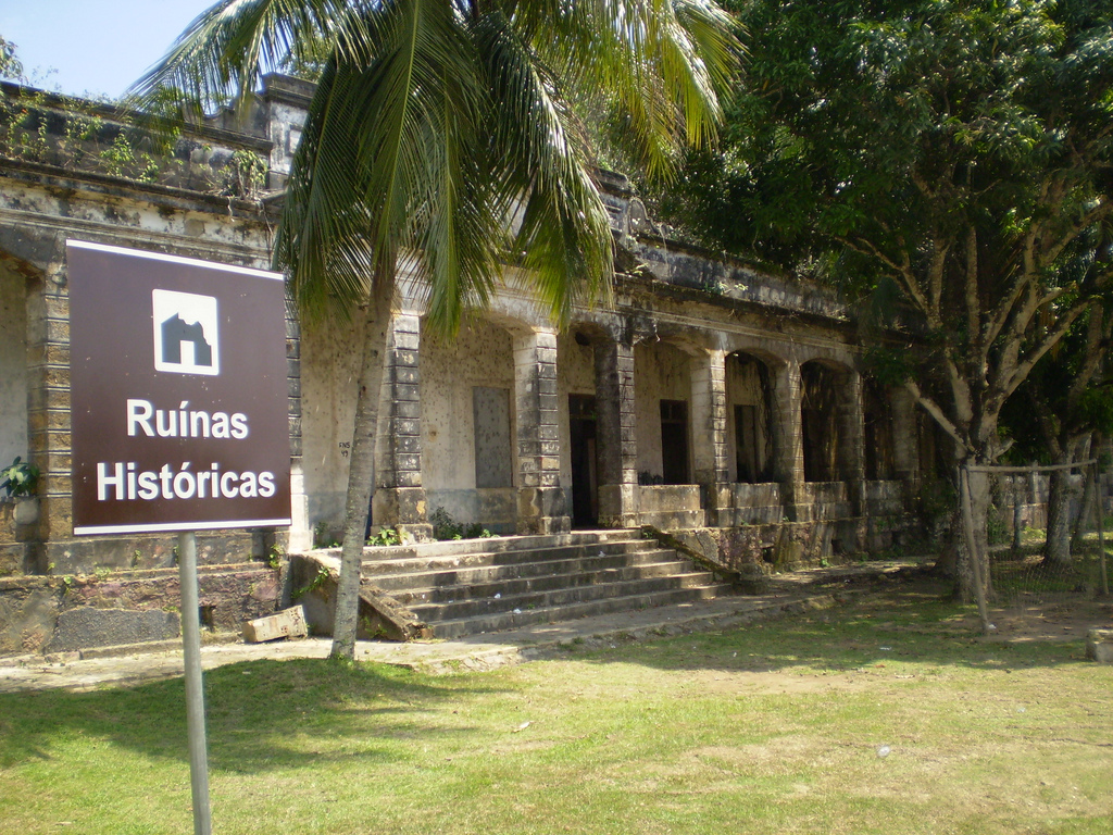 The Paricatuba Ruins, located in the municipality of Iranduba, are full of historical moments from the Belle Époque period, and, due to these historical contexts, this monument ended up being a tourist attraction in Amazonas.
