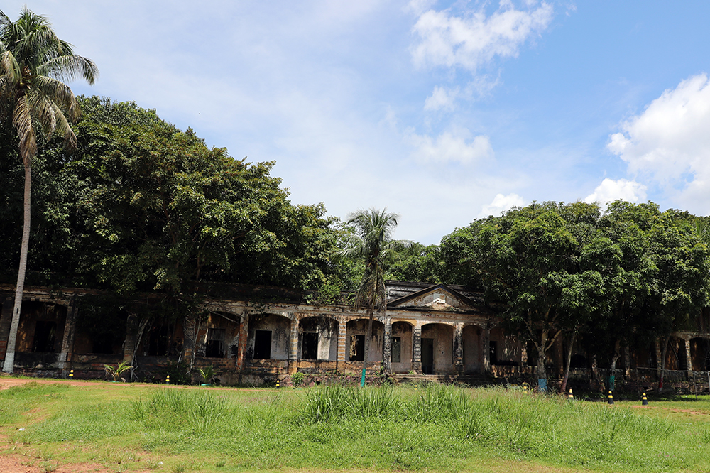 The village of Paricatuba is known for the ruins of a deactivated manor house at the beginning of the century. But besides being recognized as a historical site, this place is very visited for being surrounded by beautiful beaches bathed by the waters of the Rio Negro.