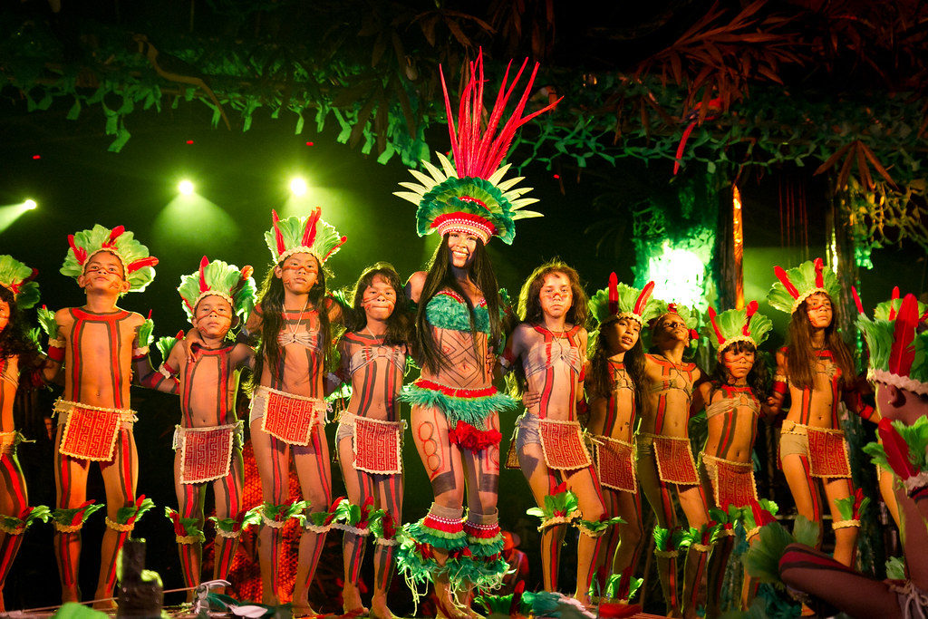 The party is staged by the legend of guaraná with local artists, presentations by regional and national singers and the choice of the Queen of Guaraná. The contest is the culmination of the party and the dream of the women of Malé.