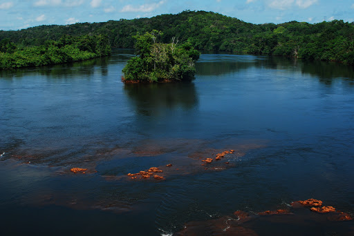 The waters of the Amazon region still contribute to other sectors of water sports, such as sport fishing tourism. The city best known for this practice is Barcelos, a municipality in the state of Amazonas. Also in the lakes close to the city of Manaus, there are lakes like Uatumã.