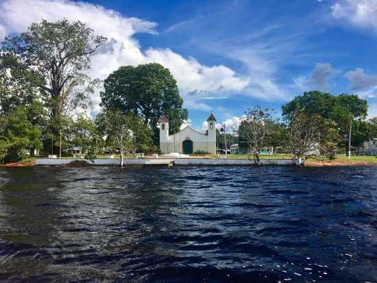 The main communities with tourist infrastructure are: Nossa Senhora do Perpétuo Socorro and São Thomé. The most widely available job in the region is community-based tourism.