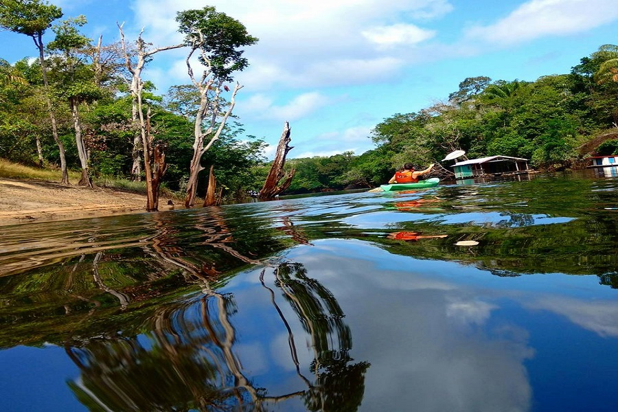 Accommodation and Ecological Tourism in the Amazon