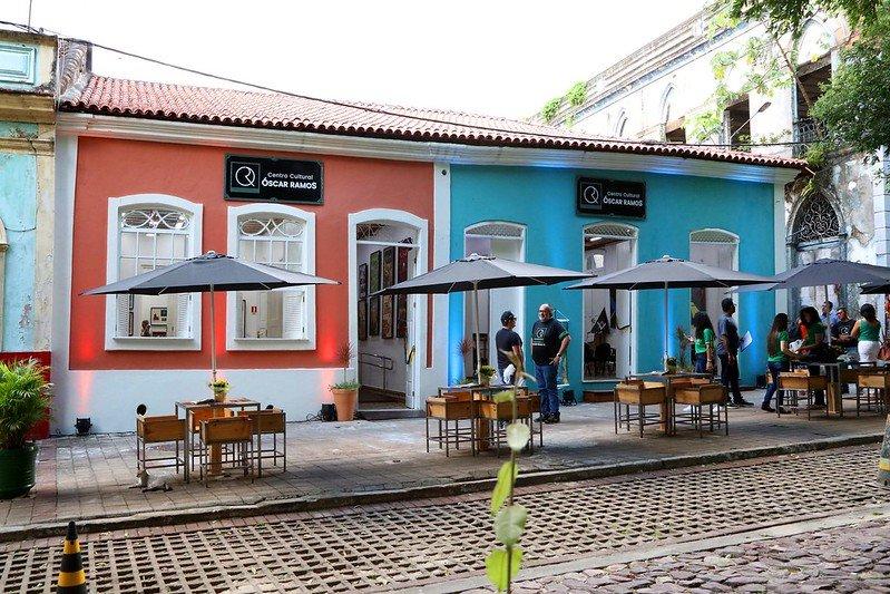 Durante a comemoração de 350 anos da cidade de Manaus no ano de 2019, a Prefeitura de Manaus entregou para a população duas casas consideradas como as mais antigas da capital depois de terem sido restauradas, para servirem como espaços culturais e abrigarem o acervo de Óscar Ramos, um dos principais artistas do Amazonas. Tendo sua estrutura feita de barro e madeira, as casas 69 e 77 trazem consigo a memória de uma fase em que Manaus deslumbrava de um dos períodos mais ricos e memoráveis, a Belle Époque. Casas como esta relembram casarões como o atual Museu Casa de Eduardo Ribeiro, por possuir o mesmo tipo arquitetônico.