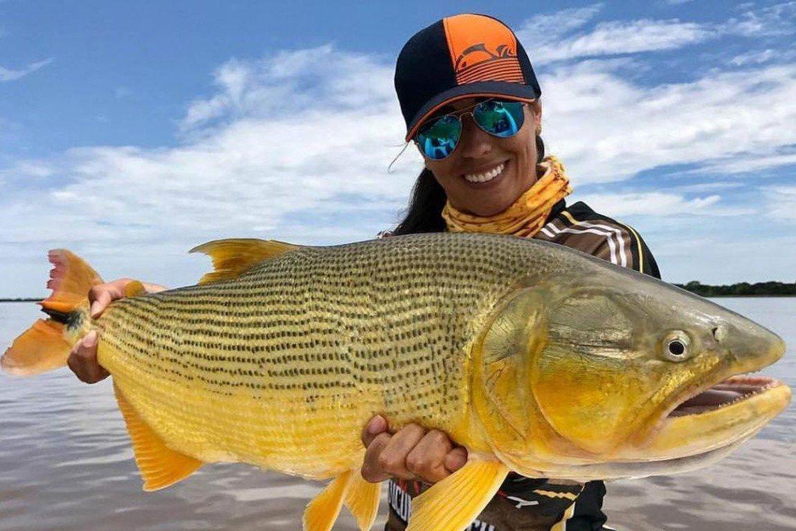 Além do Rio Paraná, outro rio muito conhecido para a atividade da pesca no estado é o Rio Paraguai. Lá é possível contemplar a beleza da natureza ao redor enquanto tenta fisgar o peixe para uma foto.