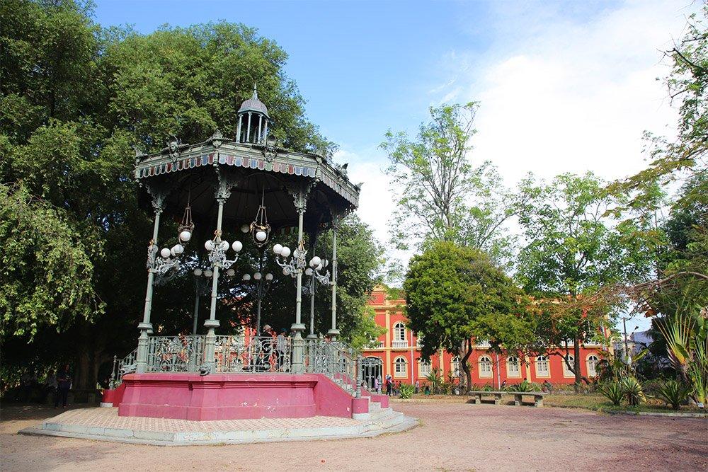 A Praça Heliodoro Balbi conhecida popularmente como Praça da Polícia é considerada uma praça histórica. Foi inaugurada no ano de 1907, sendo um dos locais mais belos de Manaus, com árvores centenárias - Mulateiro, além de dois coretos também centenários, feitos totalmente de ferro e, ainda, um lago artificial.