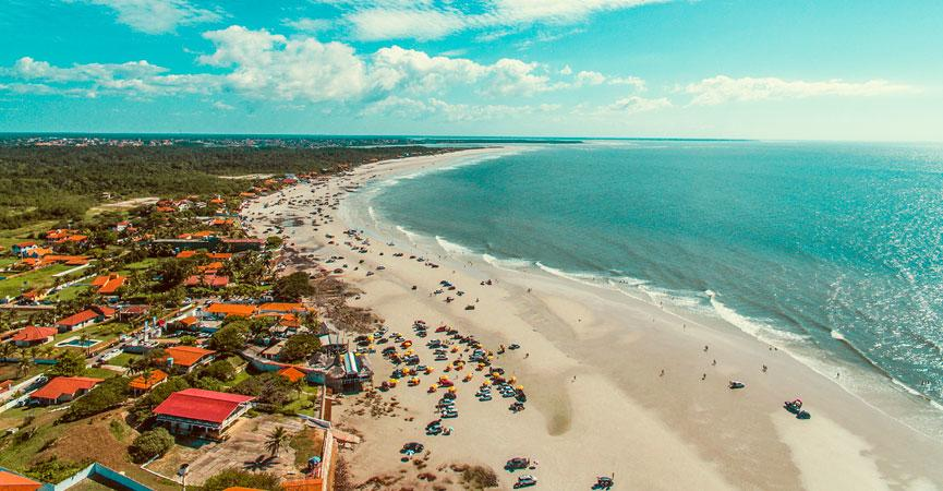 Salinópolis is located about 220 km from Belém, capital of the state of Pará. It contains well-structured tourism with gastronomy, historicity and beaches. It is bathed by the Atlantic Ocean, so it is easy to find a wide variety of sea fish.