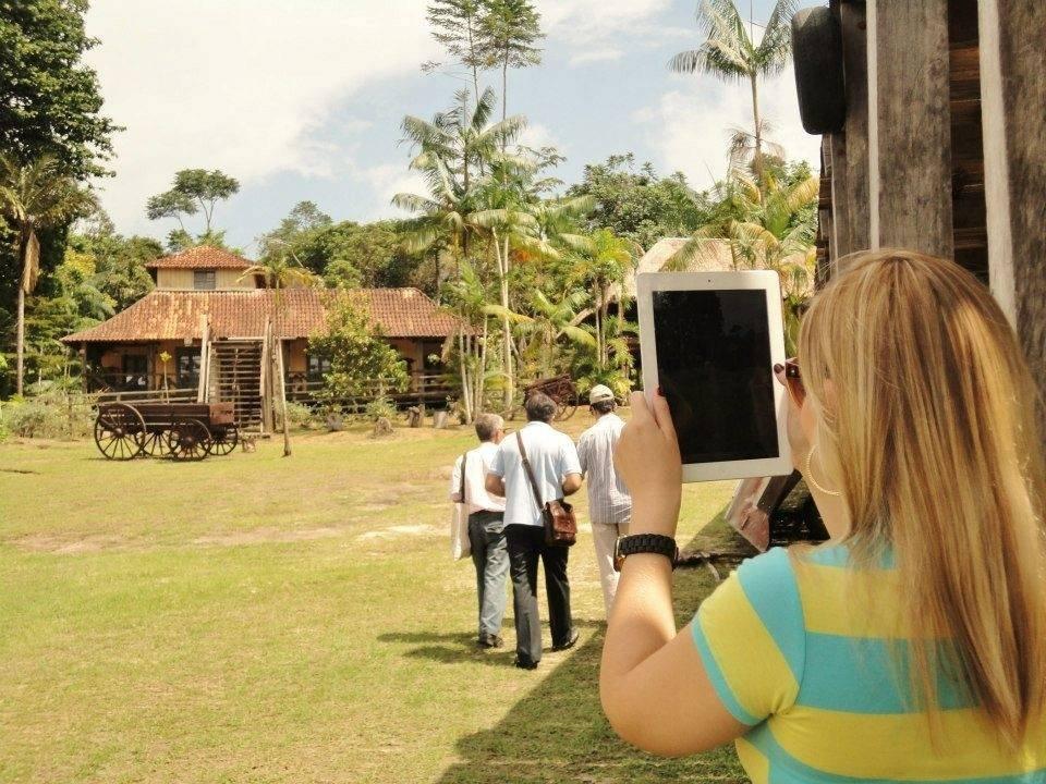 Depois de fazer uma parada no Restaurante e Flutuante, é hora de visitar o Museu do Seringal Vila do Paraíso.