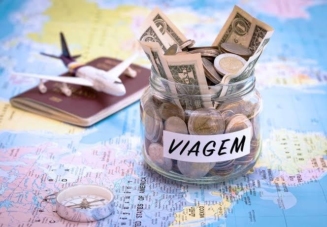 """Viajar é sempre uma grande aventura que nos proporciona momentos muito especiais e cheios de aprendizados, mas, eventualmente, nos deparamos com um tipo de pensamento: """"viajar é tão caro!""""."""