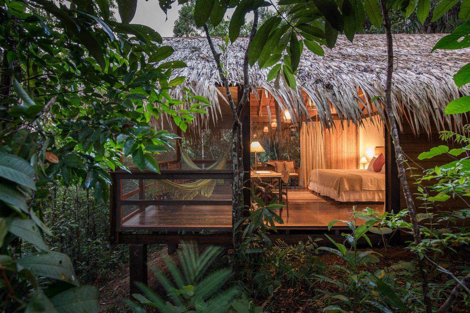 Agora se a sua pergunta é como escolher o hotel de selva ideal, é necessário que você analise o tipo de experiência que você procura e qual o orçamento que cabe no seu bolso.